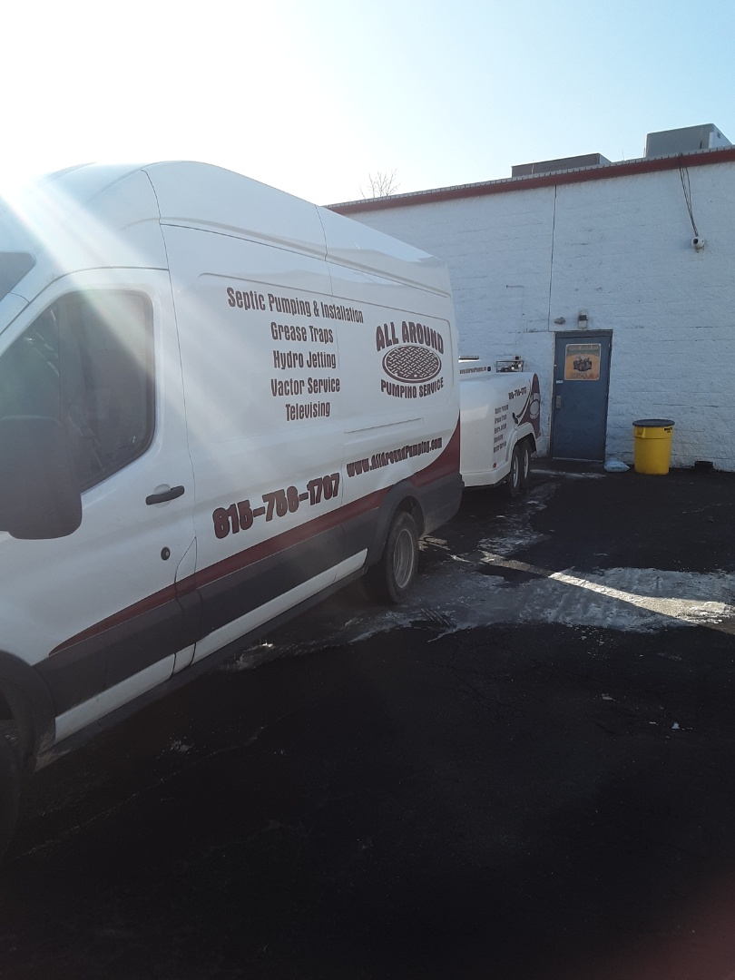 DeKalb, IL - Jetting grease trap lines