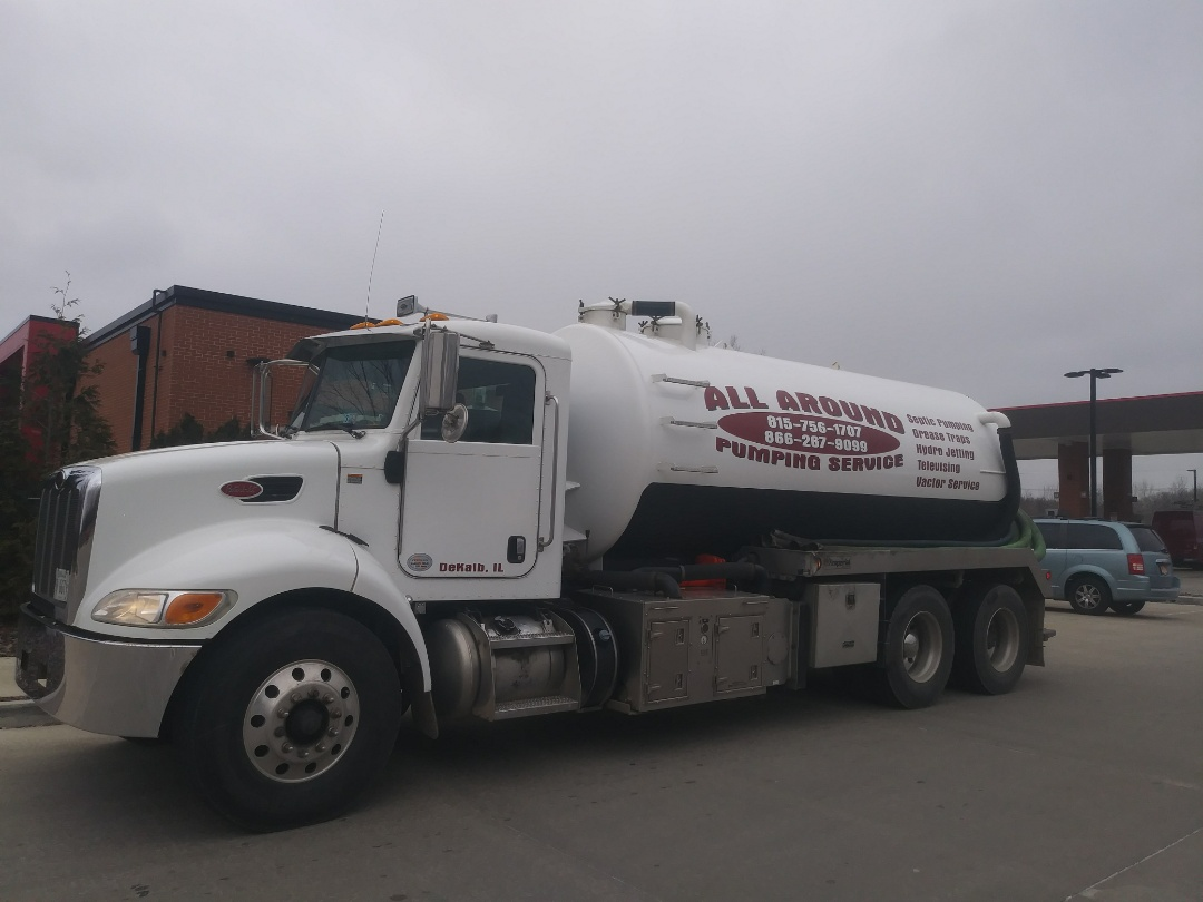 Algonquin, IL - Pump and clean outside grease trap