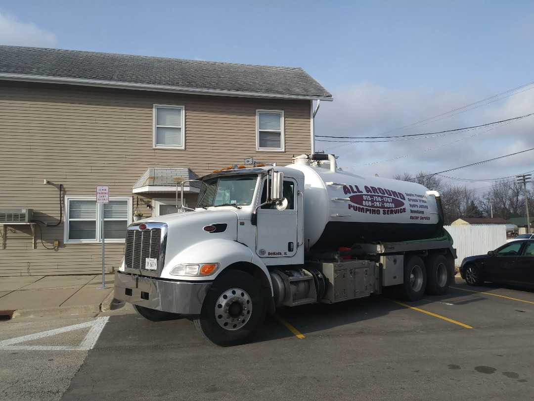 Kirkland, IL - Pump and clean inside grease trap