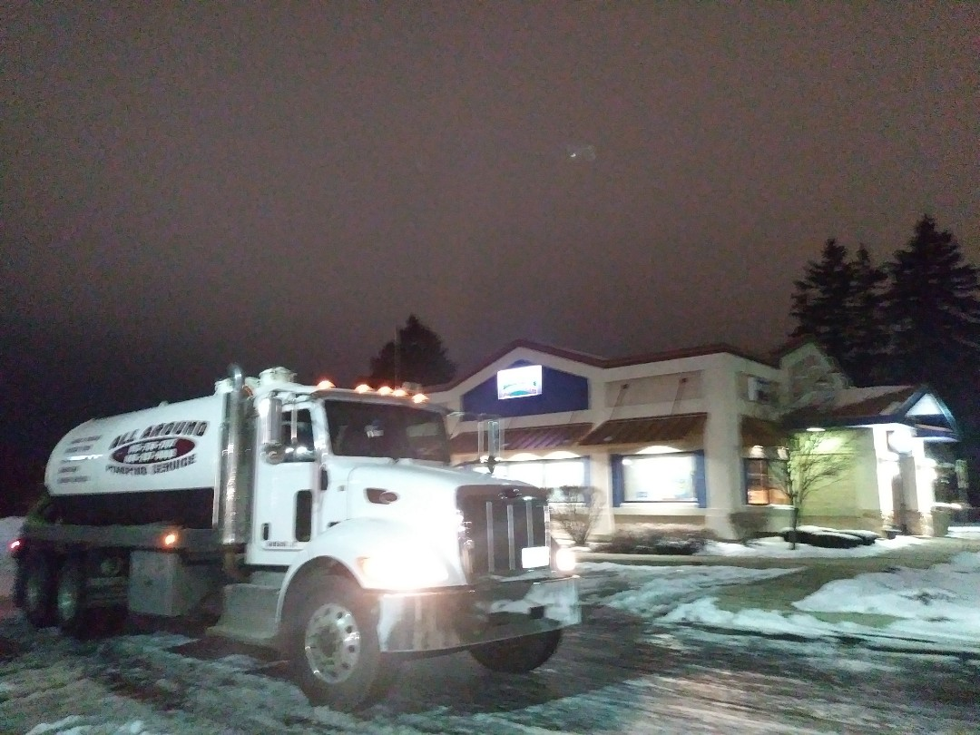 DeKalb, IL - Pump and clean outside grease trap