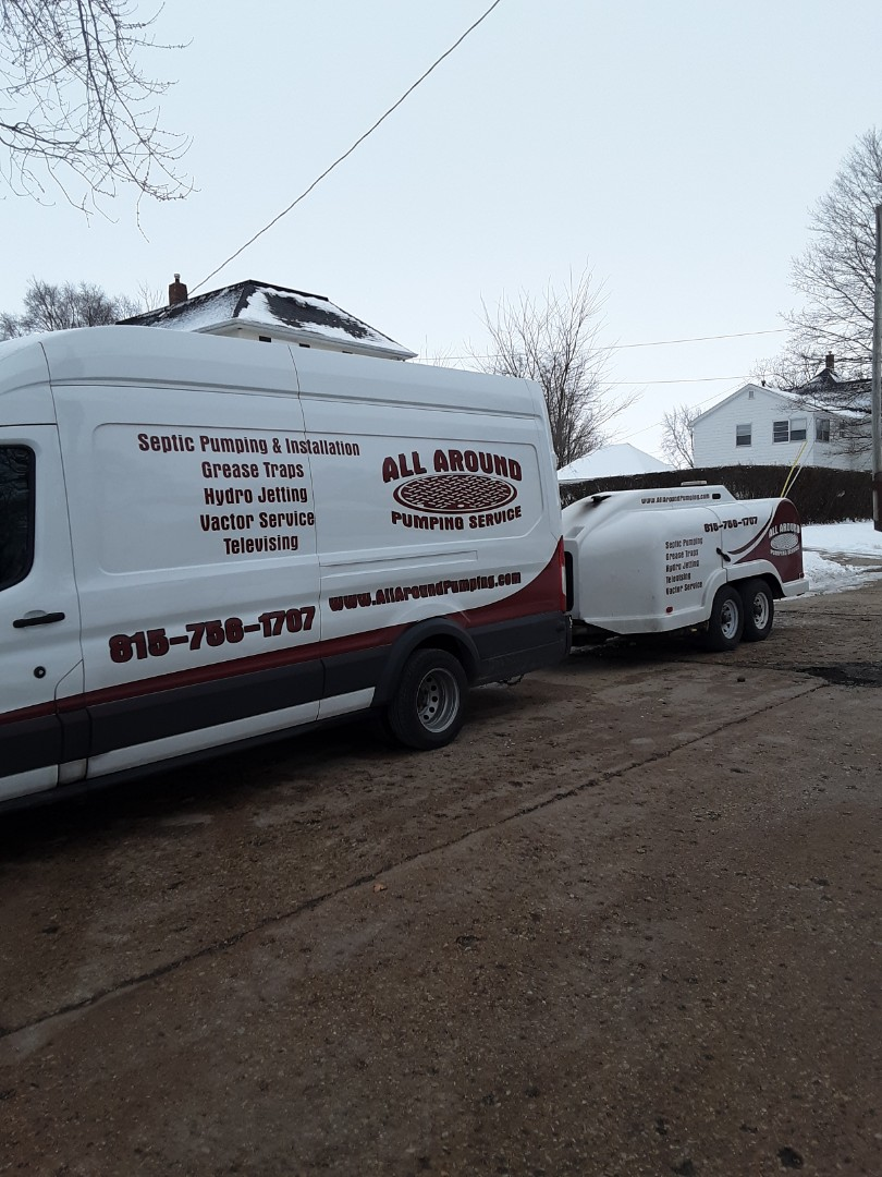 Sycamore, IL - Jetting sewer line from house to city main