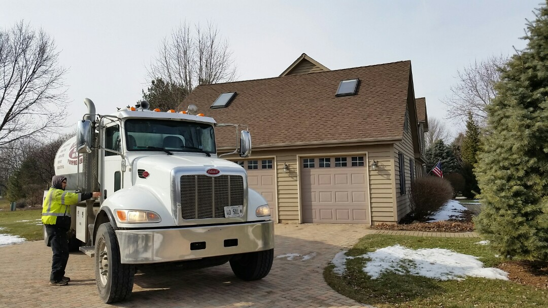 Yorkville, IL - Pump and clean septic tank