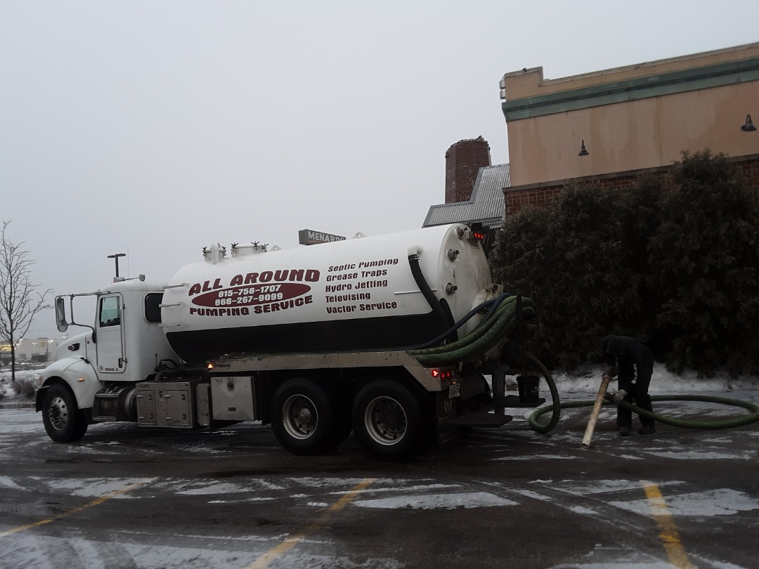 Sycamore, IL - Pump and clean grease trap