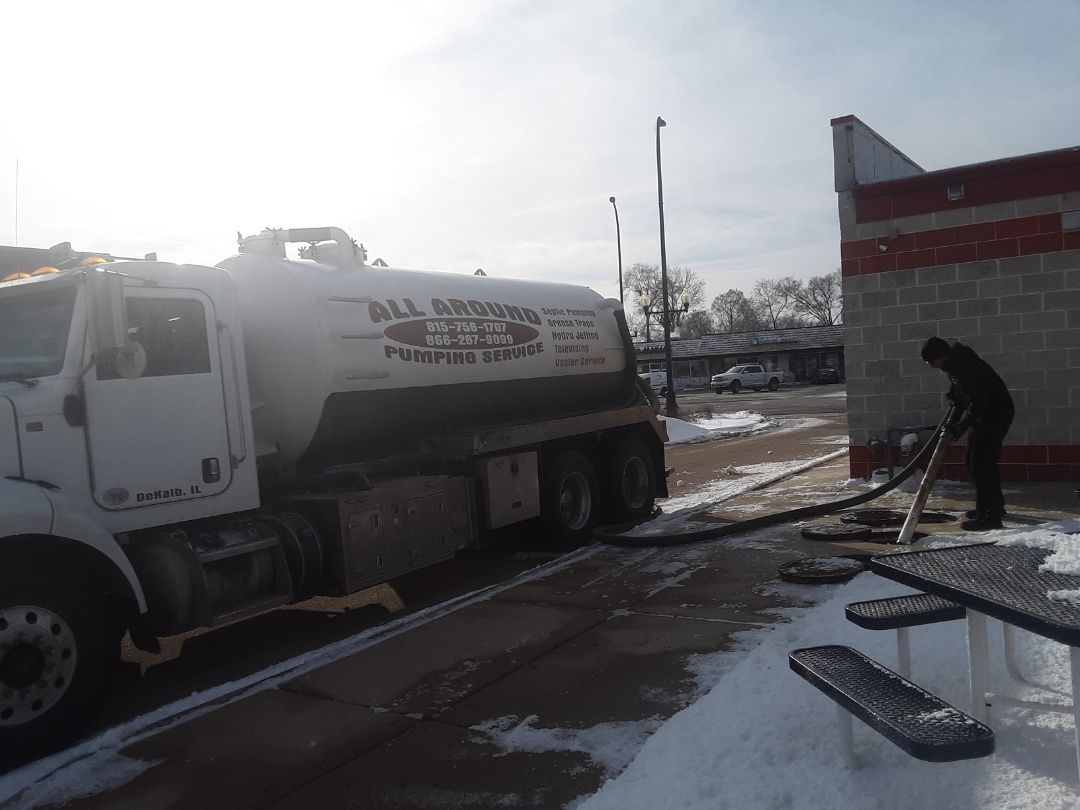 Geneva, IL - Pump and clean grease trap