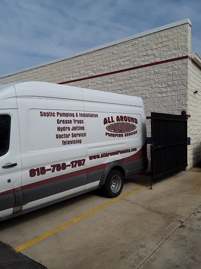 Naperville, IL - Rodding outlet line of grease trap