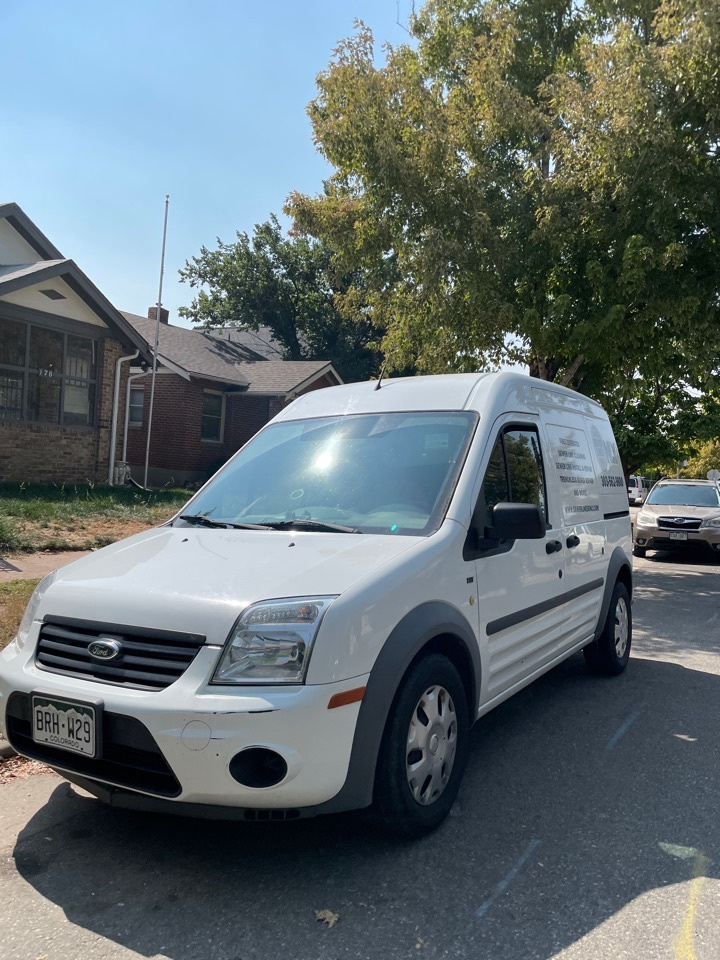 Denver, CO - Sewer Lines Only is on site today to perform a main line sewer cleaning for the property! Sewer Lines Only has years of experience unclogging and replacing secondary and main sewer lines all over Denver!