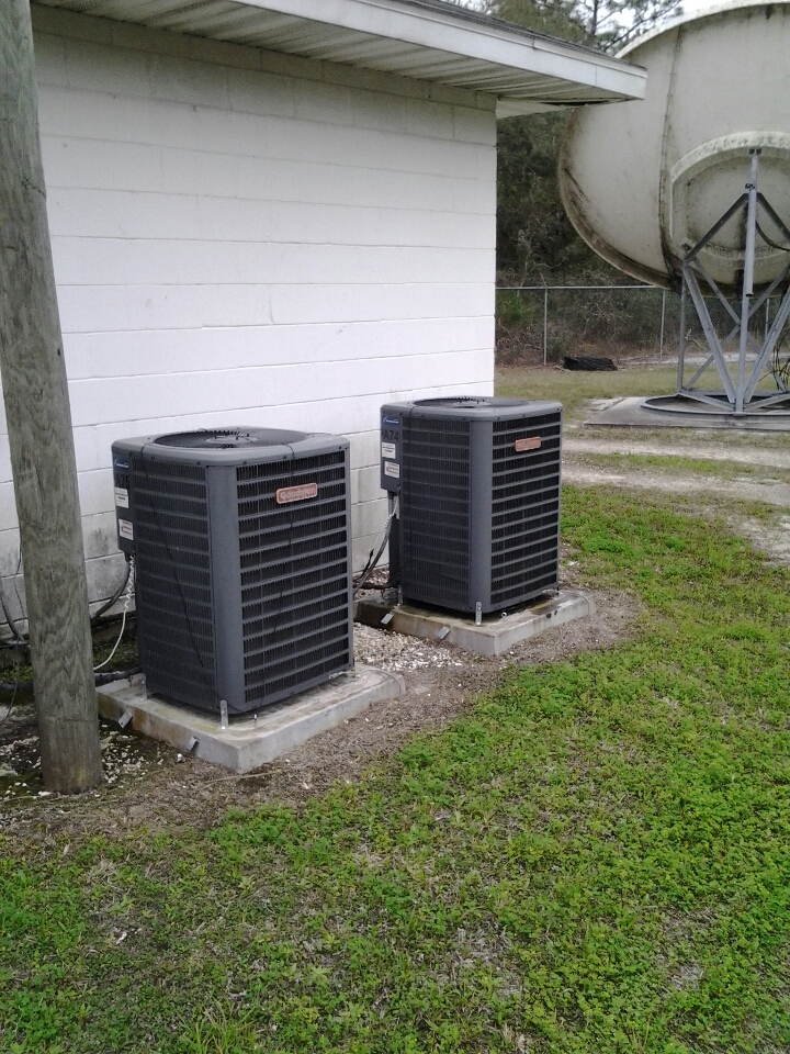 Palatka, FL - Comcast commercial maintenance. Goodman split systems.