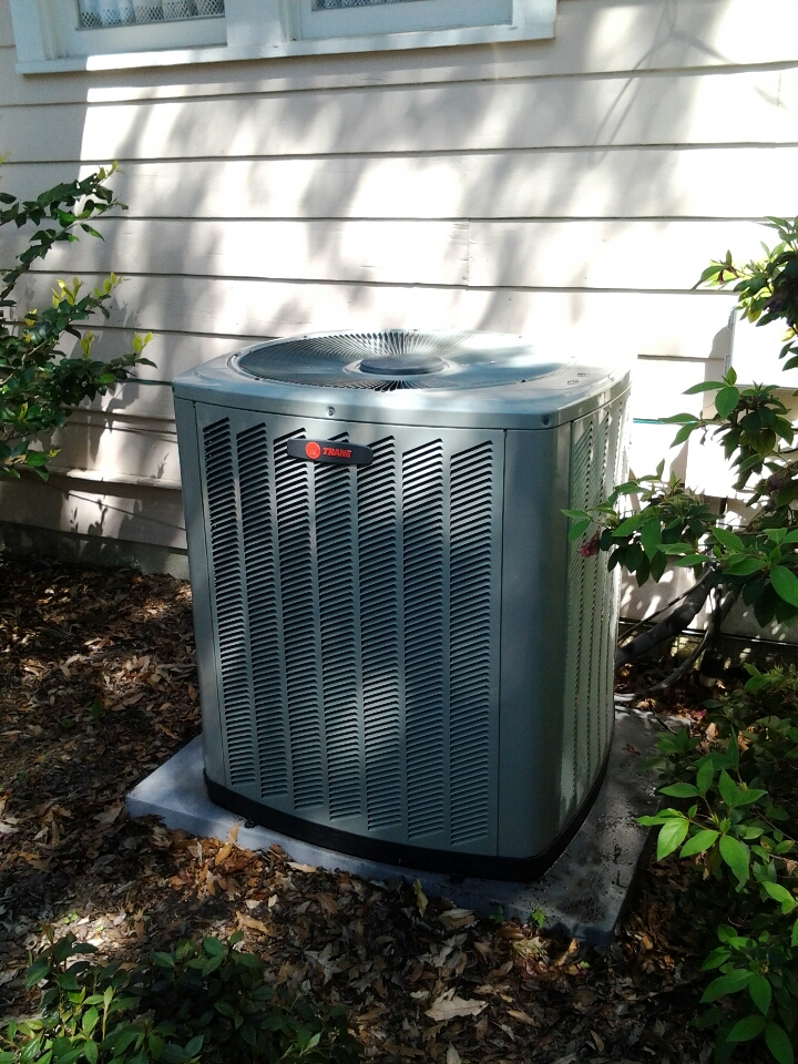 Jacksonville, FL - Healthy System Program Maintenence. Trane air conditioner.