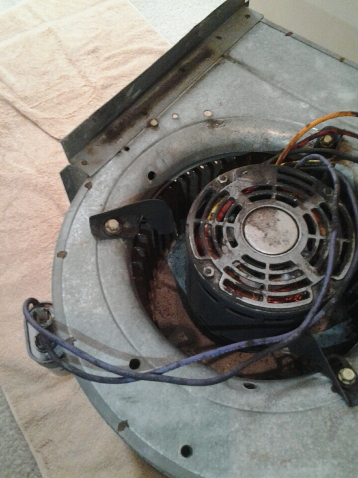 Jacksonville, FL - Lennox untit with a bad blower motor.