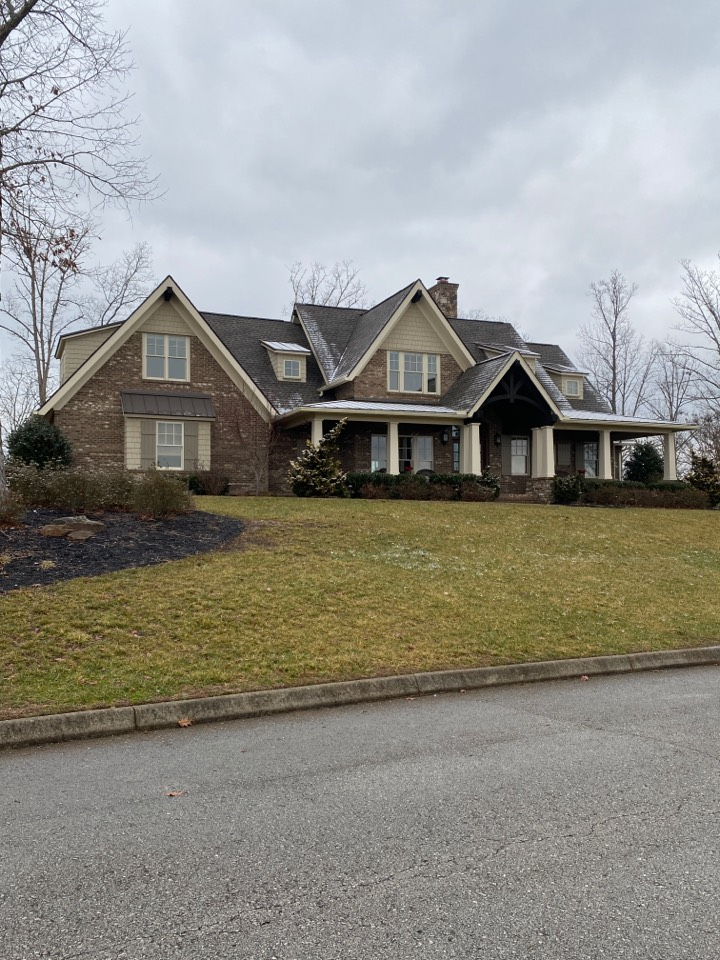 Kingston, TN - This brand new Jeff Woods Roof got to see some snow already! No problem for this GAF Timberline HDZ roof with the beautiful weather wood color!
