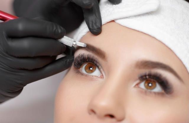 Epping, NH - What if you could skip the mascara and always have luscious lashes? Million Dollar Brows can help you do exactly that. With lash lifts, tints and extensions you can have full, thick and dark eyelashes all day, every day, with no stress and fuss  Visit Us Here: https://milliondollarbrows.com/