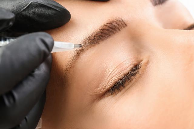What to expect after permanent eyebrows procedure : All procedure must HEAL, PEEL, and FAD. This will take up to 10 days.
