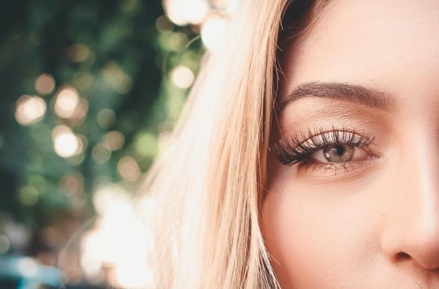 Gilford, NH - One hour eyelashes procedure with minimal pain.