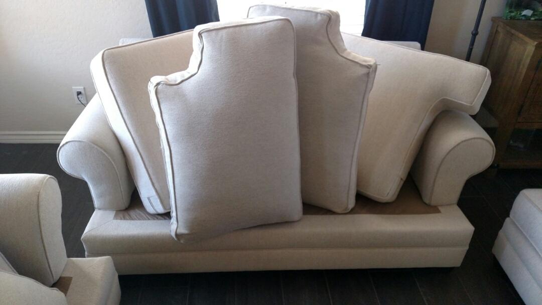 Gilbert, AZ - Cleaned carpet, upholstery & an area rug for a new PANDA family in  Settlers Point, Gilbert, AZ 85296.