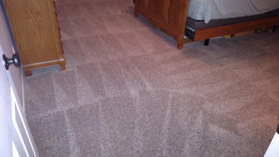 Gilbert, AZ - Cleaned carpet, tile and grout for a new PANDA family in Gilbert, AZ 85297.