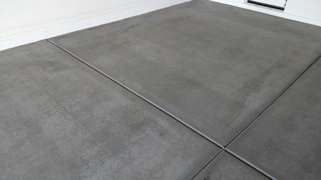 Gilbert, AZ - Cleaned garage flooring for a new PANDA family in Gilbert AZ 85295.