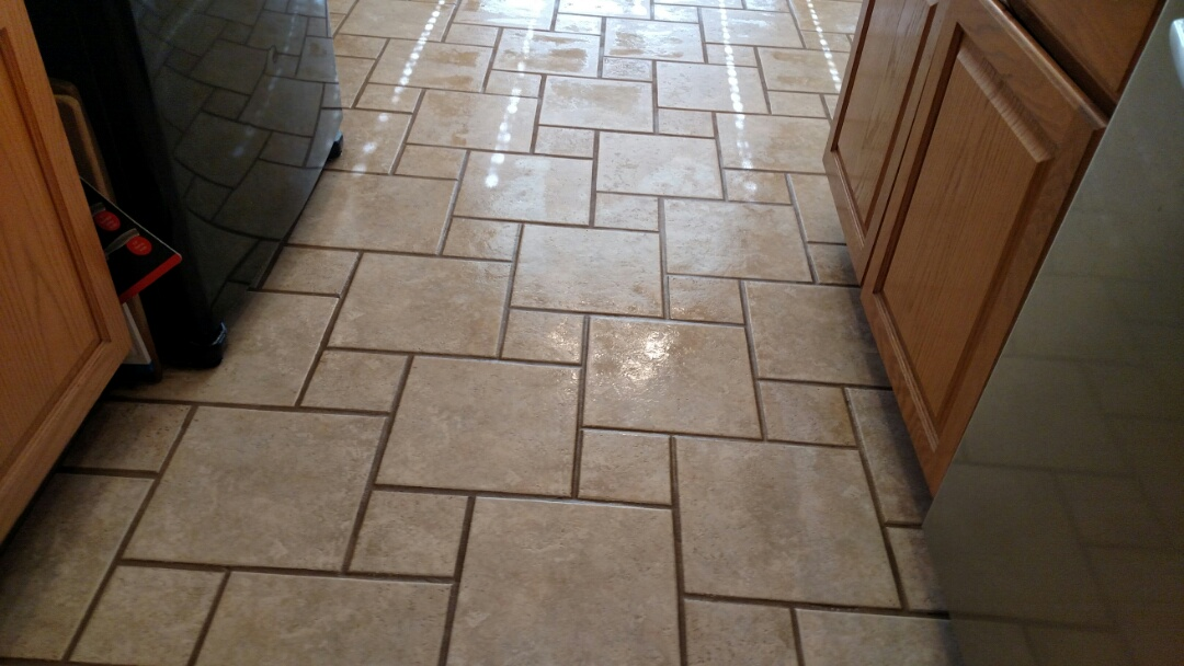 Clean Travertine tile for a new PANDA family in Gilbert AZ 85296.
