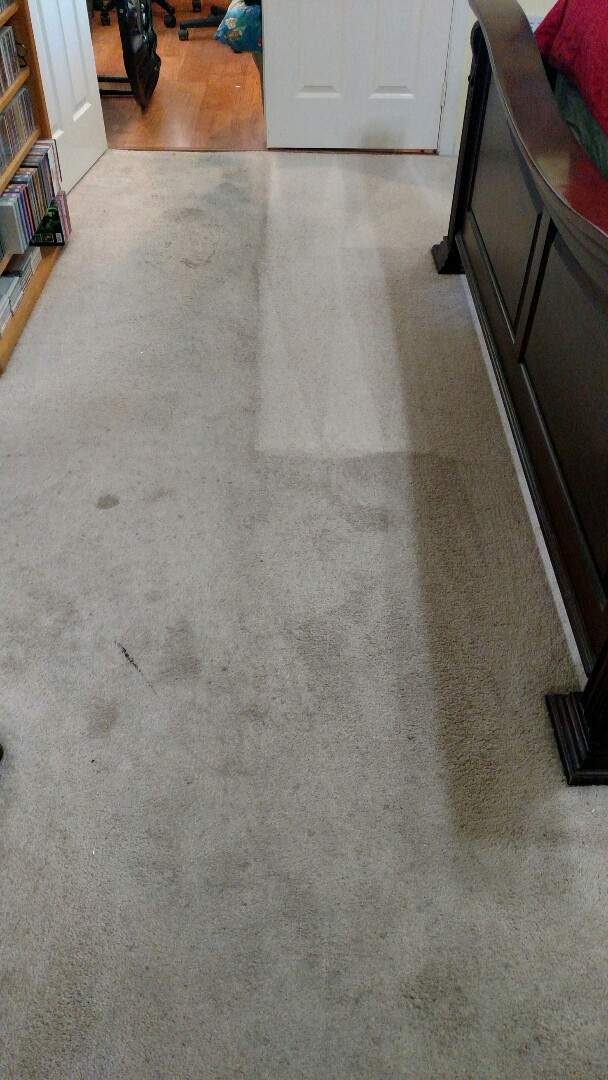 Mesa, AZ - Cleaned soiled carpet, tile and grout and sealed the grout lines for a new PANDA family in Mesa, AZ 85213.