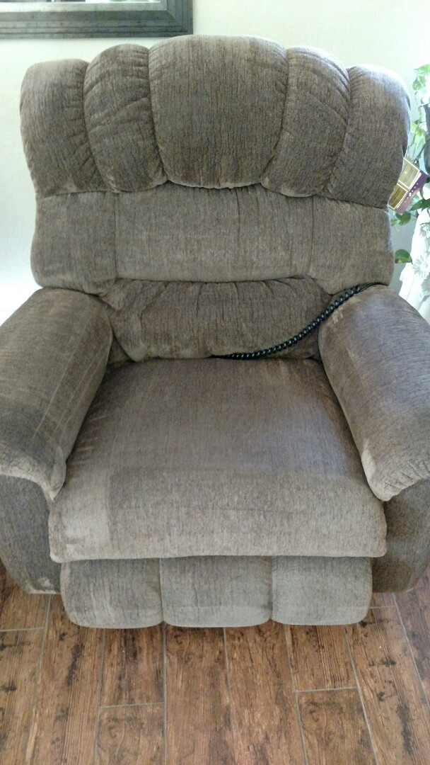 Gilbert, AZ - Cleaned upholstery and extracted pet urine for a new PANDA family and Shamrock Estates, Gilbert, AZ 85298.