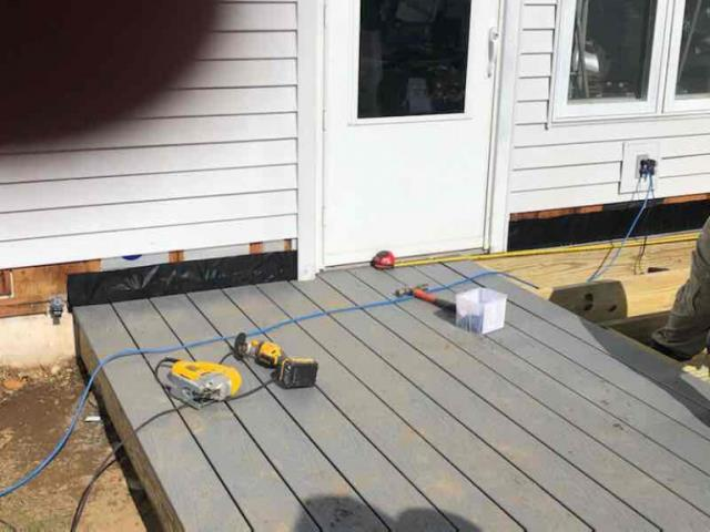 Killingly, CT - Deck landing replacement in Killingly, CT