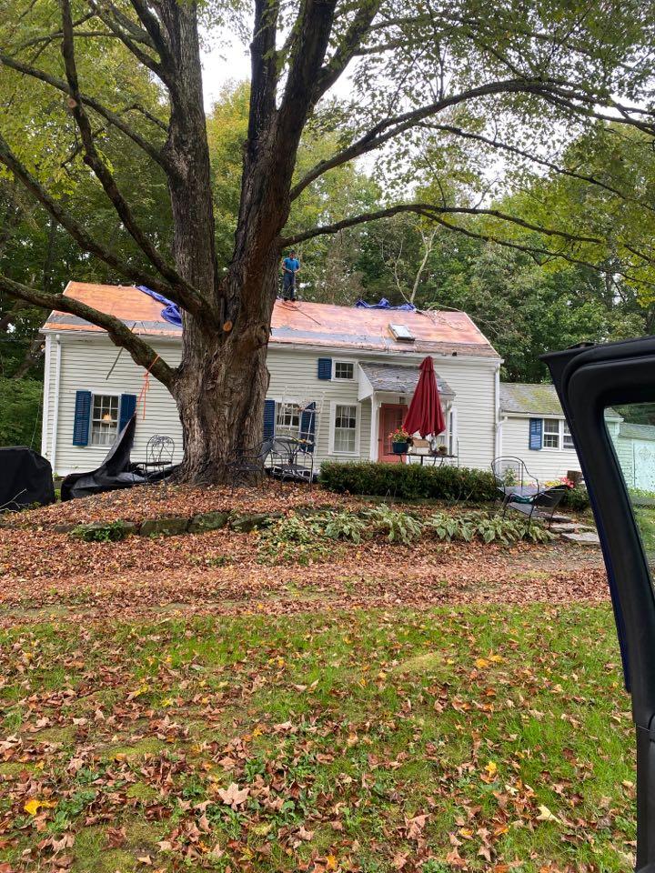 Hampton, CT - Roof replacement