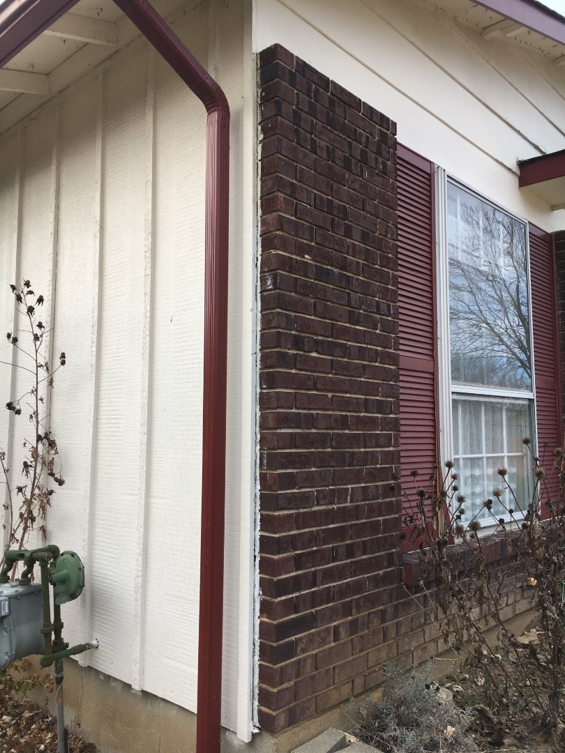 Arnold, MO - Customer wants estimate for maintenance-free siding, to eliminate the need to paint.