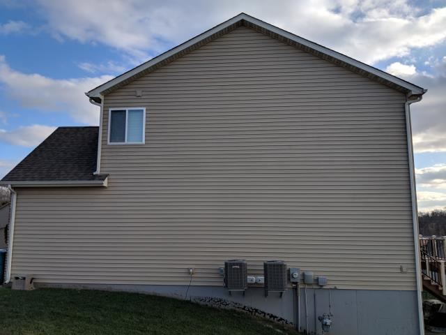 Arnold, MO - Hail damage to siding.  Home owner requested estimate to replace siding.