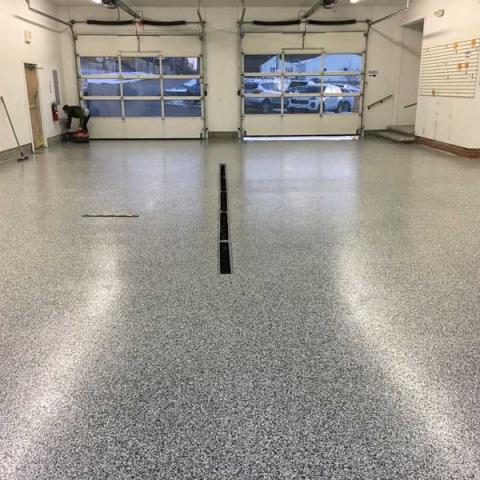 Dublin, OH - The Epoxy Flake Flooring system makes concrete flooring as beautiful as it is practical and cost-effective. This system is highly recommended for epoxy garage floors, hallways, recreational rooms, warehouses, factory ares, industrial areas, locker rooms, stair cases, fire stations, and much more!