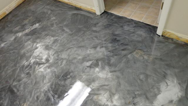 Middletown, OH - Above and beyond conventional concrete staining, Metallic Epoxy Floors gives you the colorful, three-dimensional look of marble floors for a fraction of the price.