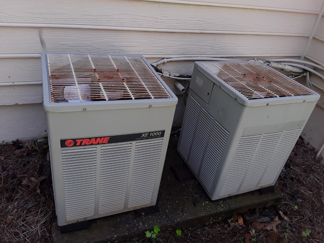 Acworth, GA - Performed AC Maintenance on 2 old Trane condensing Units.  Acworth