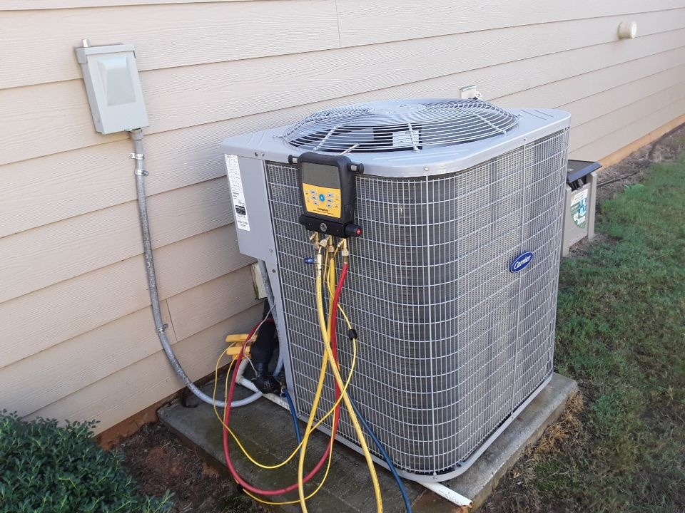 Marietta, GA - Performed AC Maintenance on a Carrier condensing unit. Marietta