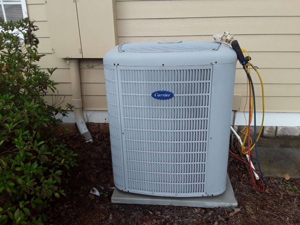 Kennesaw, GA - Performed AC Maintenance on a Carrier condensing unit with zoning. Kennesaw