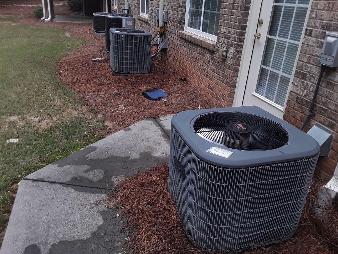 Acworth, GA - Performed AC Maintenance on 2 Amana Condensing Units.  Acworth