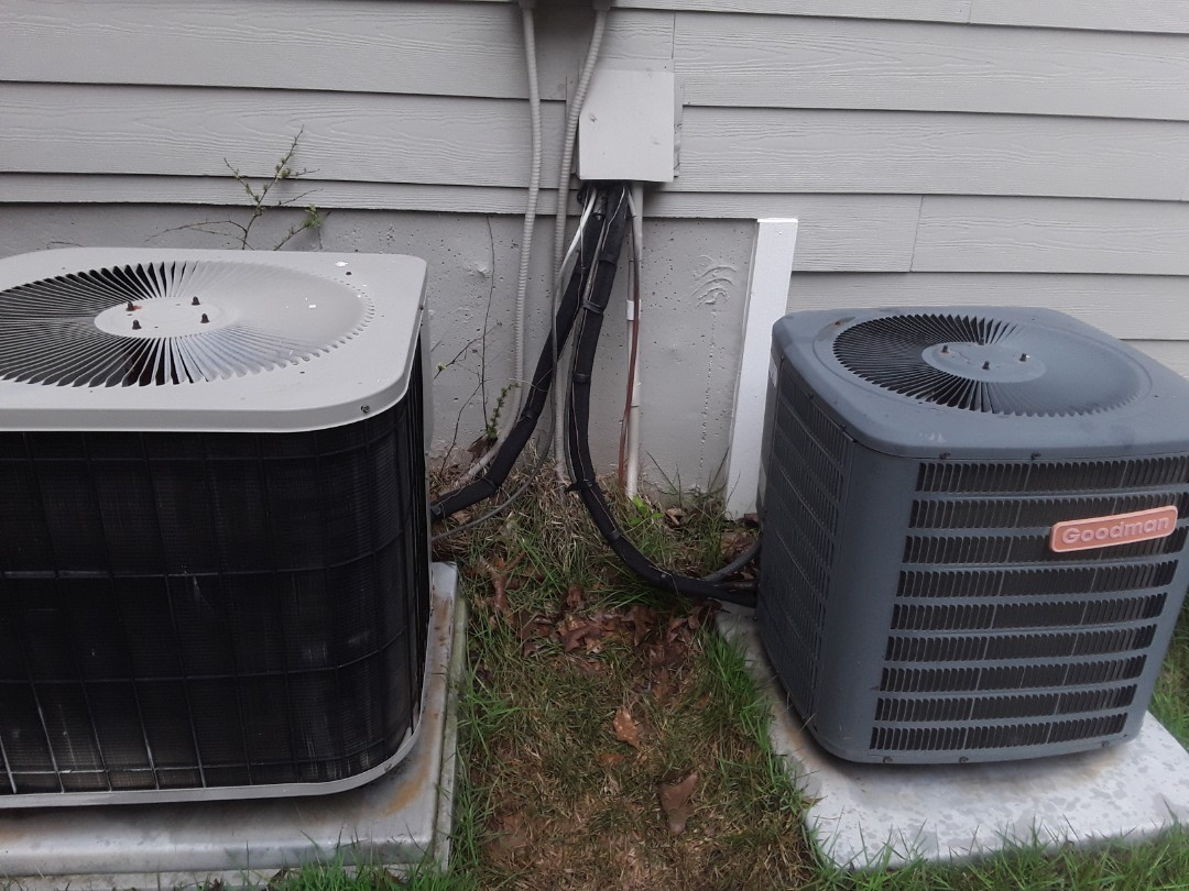 Kennesaw, GA - Performed AC Maintenance on a Goodman and Amana Condensing Units.  Kennesaw