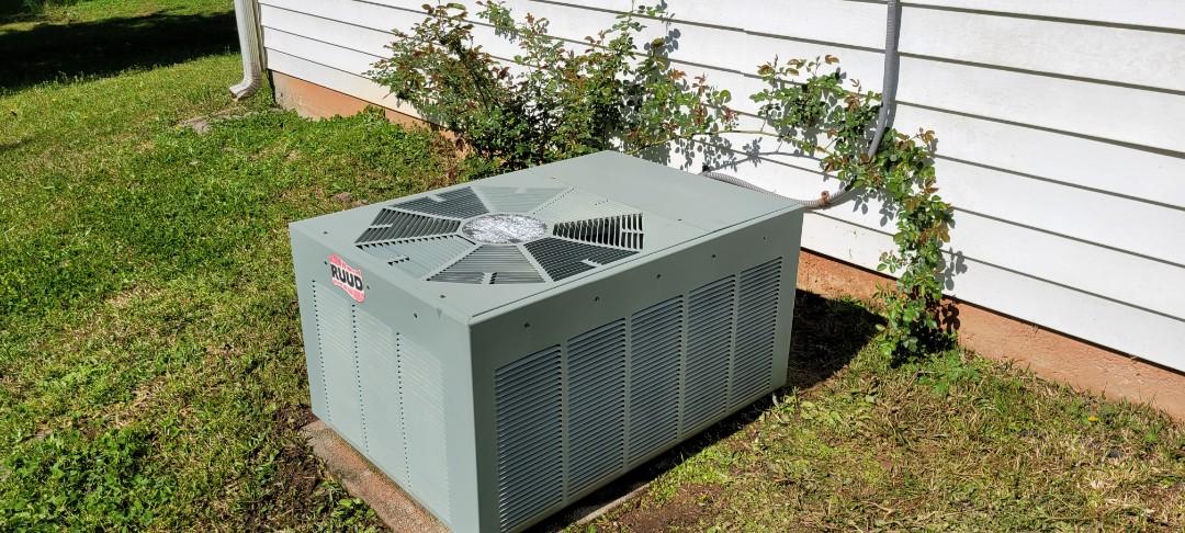 Powder Springs, GA - Performed AC Maintenance on a Ruud Condensing Unit. Marietta