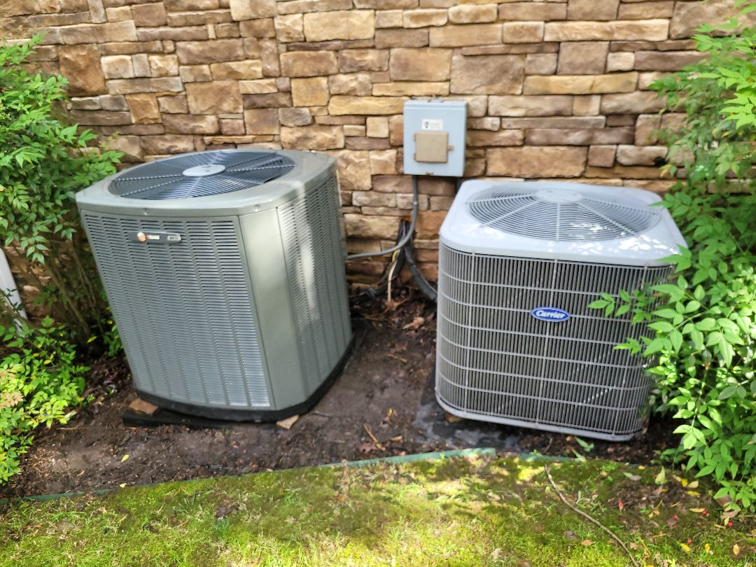 Powder Springs, GA - Performed AC Maintenance on a Carrier and a Trane Condensing Units.  Powder Springs.