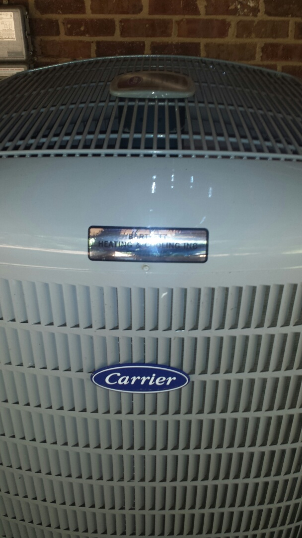 Sandy Springs, GA - Maintenance tune up service on AC system