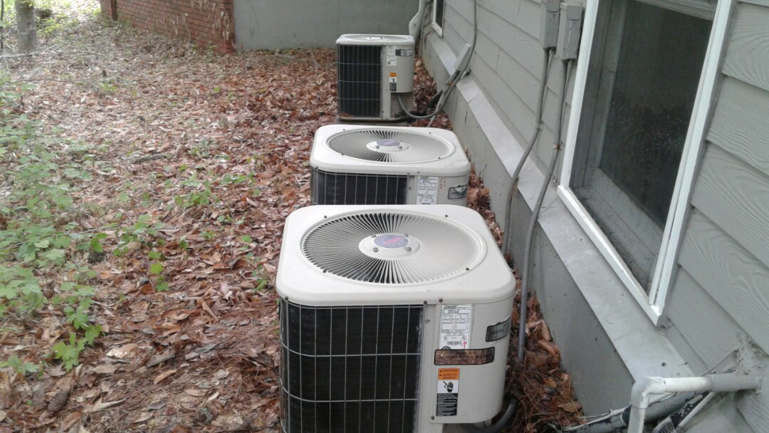 Kennesaw, GA - Performed AC Tune Up on a Lennox Condensing Unit.  Kennesaw