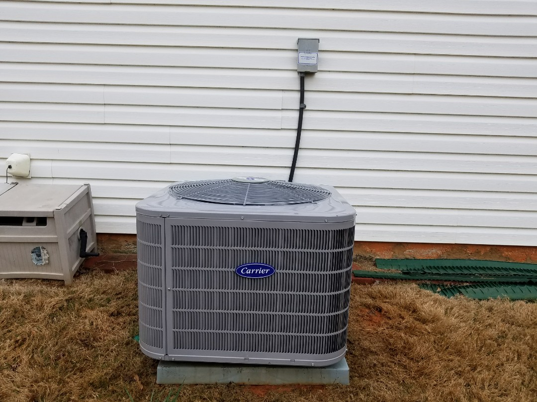 Acworth, GA - Performed A.C. Maintenance on a Carrier Condensing unit. Acworth