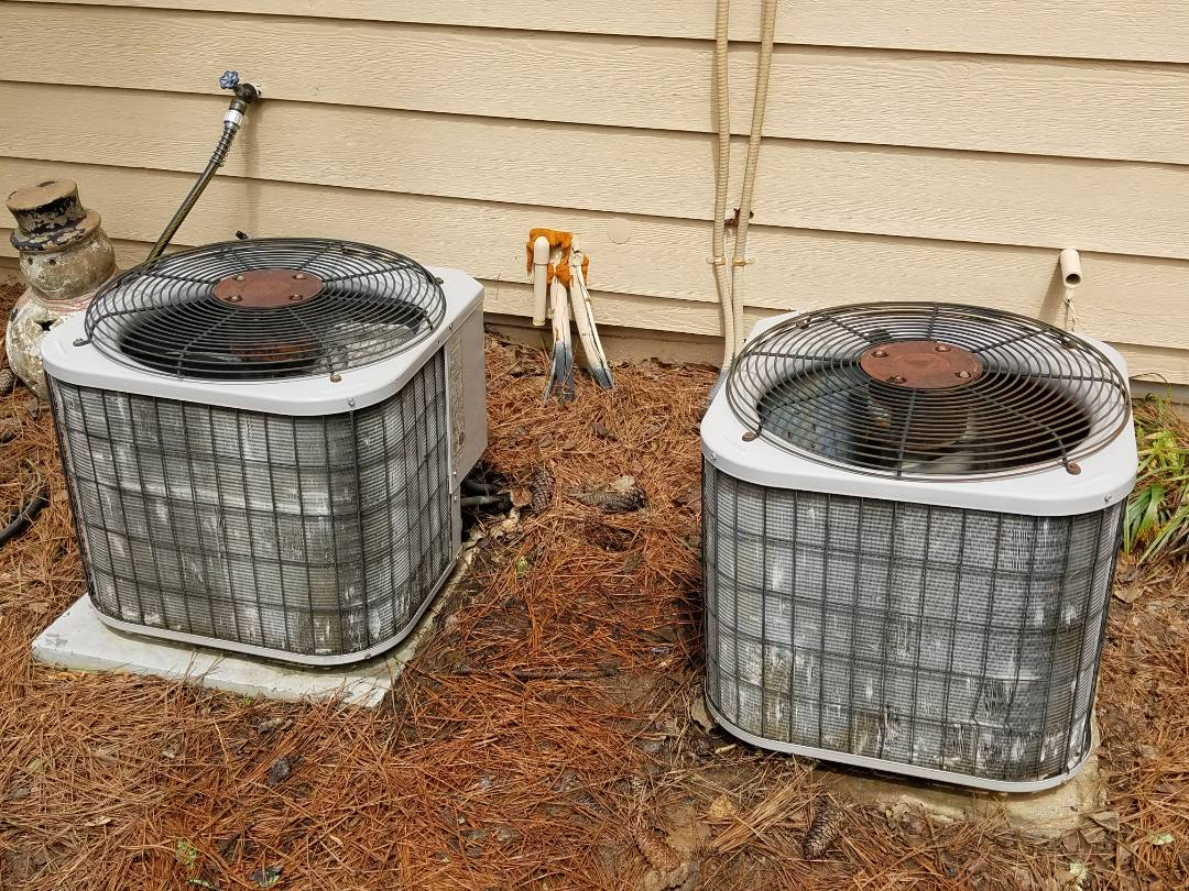 Acworth, GA - Performed A.C. Maintenance on a Carrier Condensing Units. Acworth