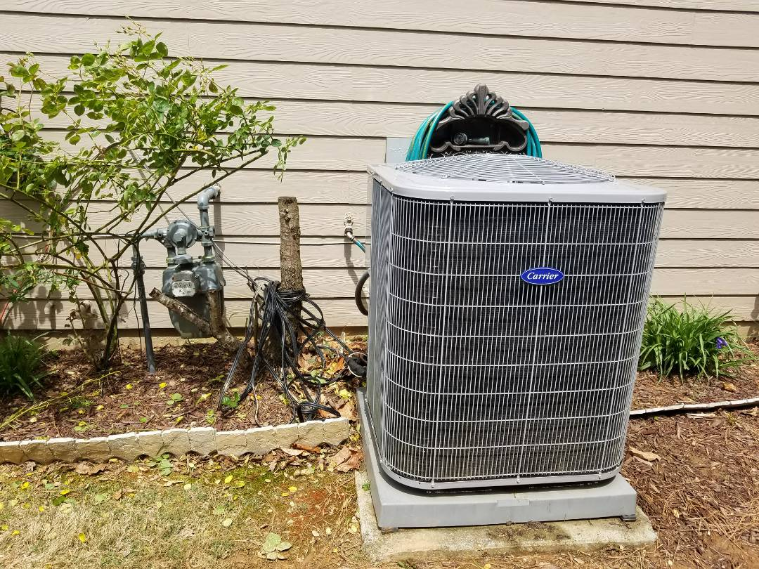 Kennesaw, GA - Performed A.C. Maintenance on a Carrier Condensing unit. Kennesaw