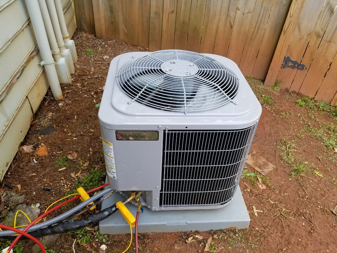 Kennesaw, GA - Performed A.C. Maintenance on a Carrier Condensing unit. Marietta