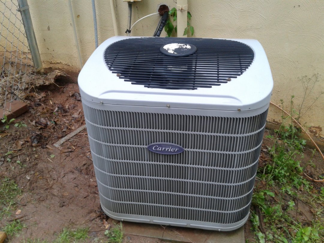 Kennesaw, GA - Performed AC Maintenance n a Carrier Condensing Unit. Kennesaw