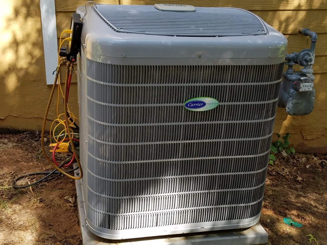 Kennesaw, GA - Performed A.C. Maintenance on a High Efficiency Carrier Condensing Units.  Acworth