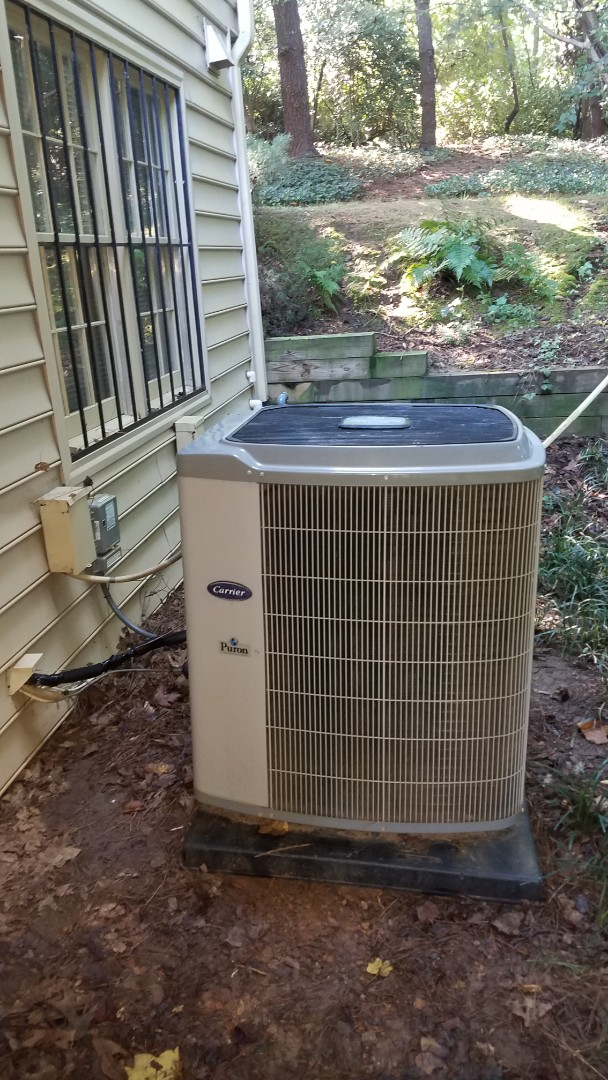 Atlanta, GA - Inspection on Carrier air condition, working properly at this time.