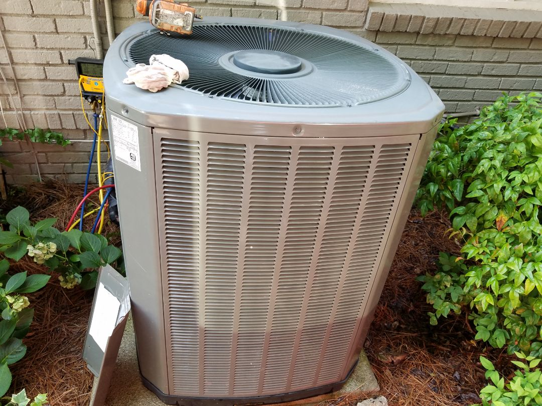 Kennesaw, GA - Performed AC Maintenance on a Carrier and a Trane condensing units. Kennesaw