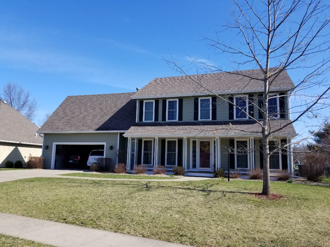 Johnston, IA - Completed Everlast and gutter job in Johnston.