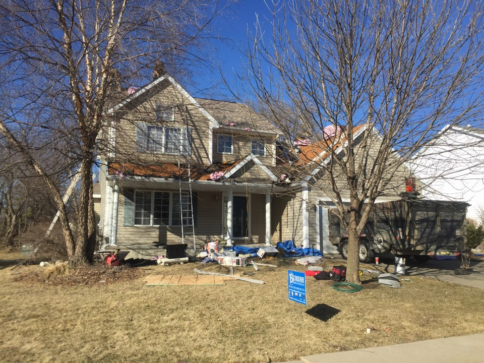 Waukee, IA - Installing new asphalt roof Owens Corning Duration Designer Series going on this home