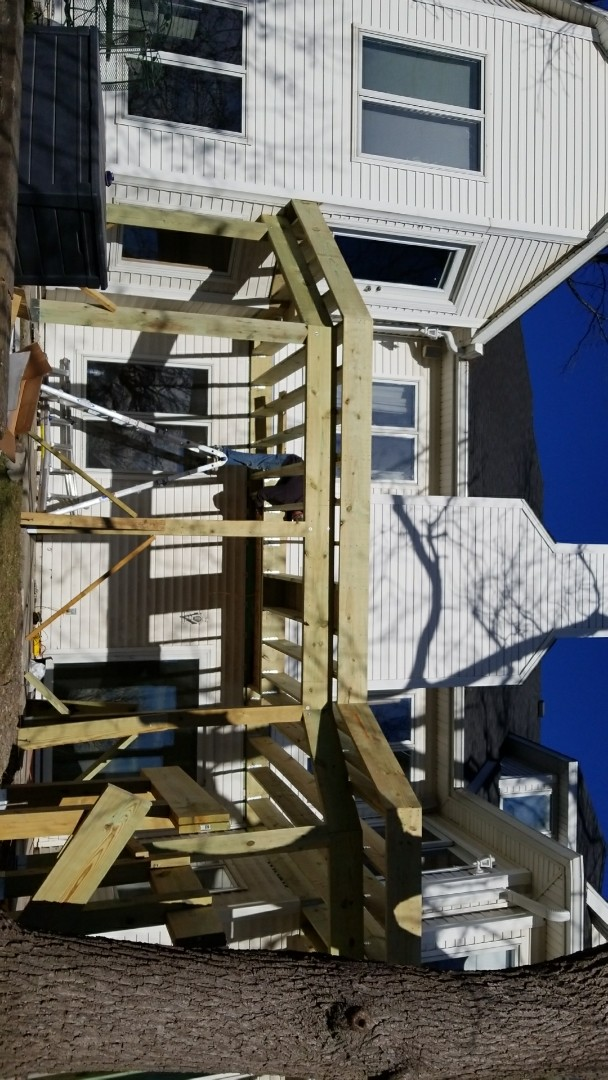 Ankeny, IA - Building frame for Timbertech decking and Westbury railing.