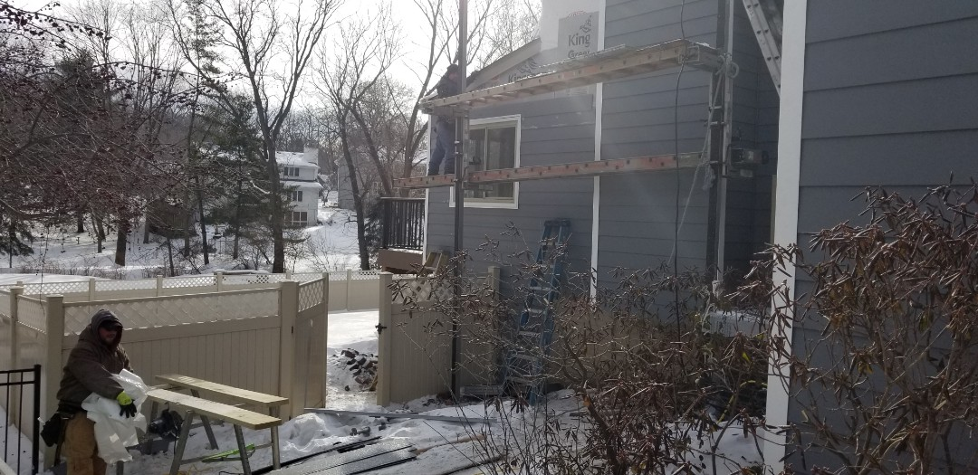 Des Moines, IA - Installation of Everlast siding in Des Moines